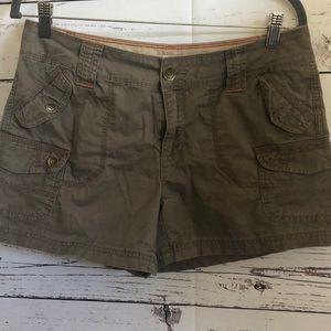 Natural Reflections khaki cargo shorts